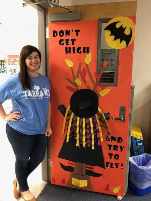 Red Ribbon Week Door Decorating
