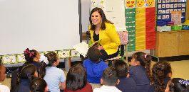 Local TV Personalities Read to Students at Eastern Hills ES